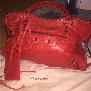 NWT TAGS BALENCIAGA city purse!!!!
